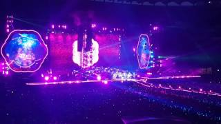 every teardrop is a waterfall coldplay live San siro 04.07.2017