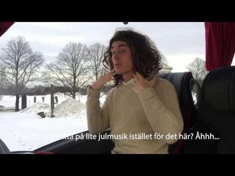 Jonas Fagerström väljer musik på julbussen