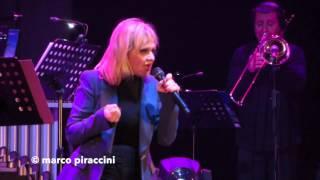 """RITA PAVONE: """"Se potessi amarti ancora"""" live @ Milano 2014"""
