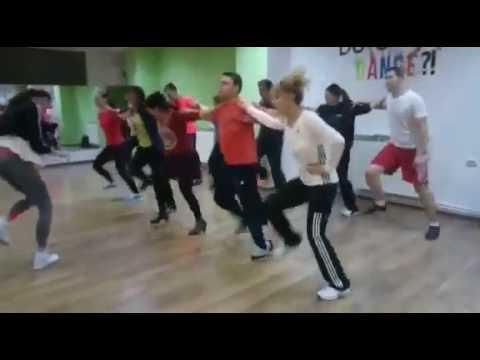 Dansuri de Petrecere - Sirba pe loc | Total Dance Center