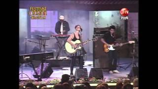 Francisca Valenzuela - El Derecho De Vivir En Paz (En Vivo @ Huaso de Olmué, enero 2009)