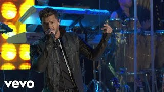Ricky Martin - Livin' la Vida Loca (Live on the Honda Stage at the iHeartRadio Theater LA)
