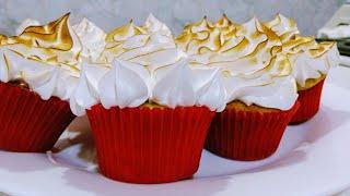 Como fazer cupcake de limão com uma deliciosa cobertura de merengue