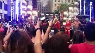 Nicki Minaj - Pound the Alarm - Live from NYC August 14, 2012
