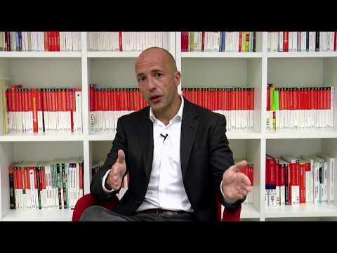 Eduardo Lazcano presenta el libro 'Comunicación emocional'