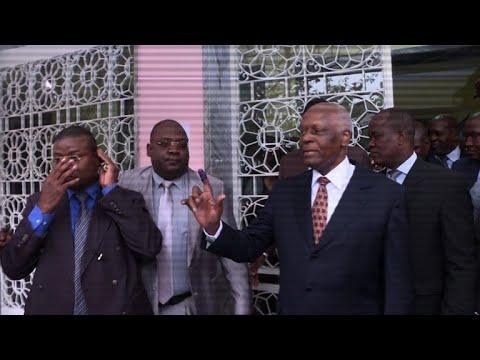 انغولا تنتخب رئيسا لطي صفحة دوس سانتوس الحاكم منذ 38 عاما