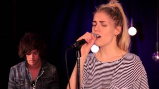 London Grammar Sings Strong (Acoustic In The Take 40 Live Lounge)
