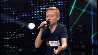 """Smiley - """"Pierdut buletin"""". Vezi aici cum cântă Dănuț Eduard Pintilei, la X Factor!"""
