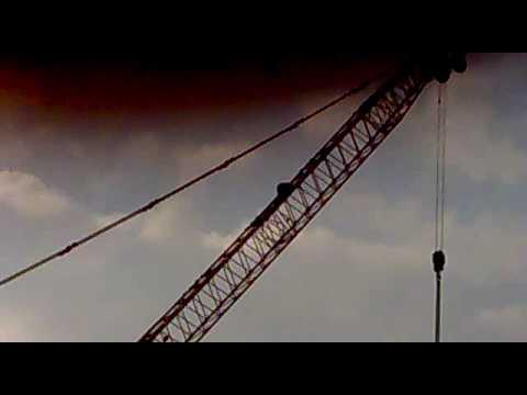 Drunk man climbs crane at Museumplein Amsterdam
