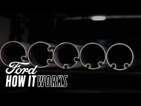 Vnitřní stropní nosič a sklopný střešní nosič – Jak to funguje  | Ford Česká republika