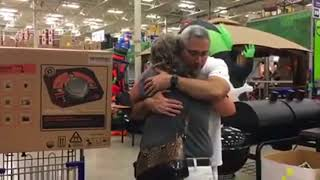 Heartwarming: Man gives generator to woman in need
