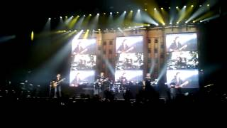 Nickelback- When We Stand Together live (Budapest 8.11.2013)