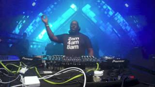 Carl Cox plays Joee Cons 'The Key' at Space Ibiza Closing