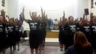 Apresentação mulher marcha igreja assembléia de Deus de Paranaguá jardim guaraituba coral filhasJeru