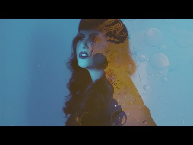 Vídeo oficial de Slowly Speeding de Kim Lenz
