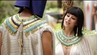Os Dez Mandamentos - Maya dá um tapa em Ramsés