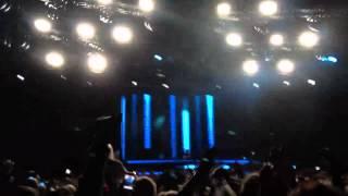 Avicii vs Nicky Romero- I Could Be The One (Avicii Live)