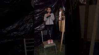 Juli  canta  la de pacito