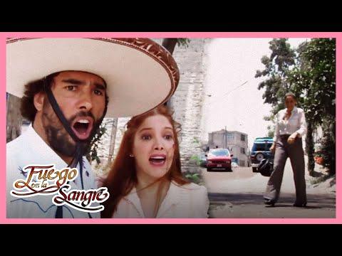 Fuego en la Sangre: Juan salva a Gabriela de ser atropellada | Escena C74 | tlnovelas