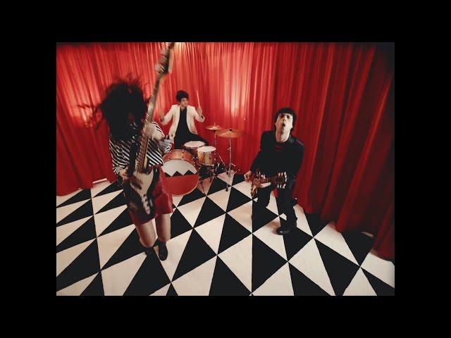 Gatomidi - Walking Around You [Official Video]