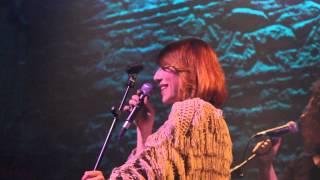 Burcu Tatlıses - Bir Sana Bir de Bana (Live)