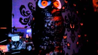 Spirit Halloween Owl Turning Head Prop light up eyes Hooting Sound Motion Activated New 2013