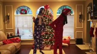 Mariah Carey All I Want For Christmas is You mannequin head dance