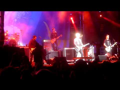 the-offspring-shes-got-issues-walla-walla-live-at-amnesia-rockfest-montrealmetalshows