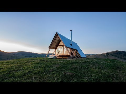 Remote Airbnb hut has 360 views over the Kimo Valley