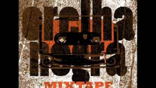Orelha Negra - Tripical feat. Lucia Moniz (Orelha Negra Mixtape)