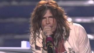 Steven Tyler performing Dream on Live on American Idol FInale