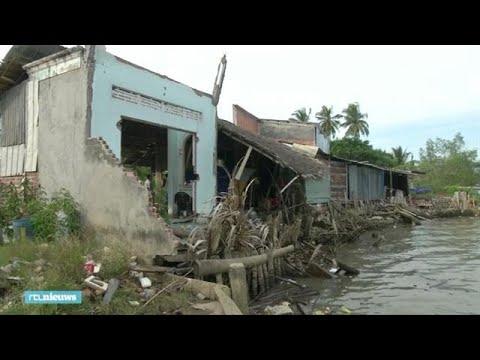 """Hele huizen opgeslokt door gevaarlijke Mekong rivier: """"Alles is weg"""" - RTL NIEUWS"""