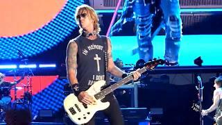 Guns N' Roses - Mr. Brownstone - The Gorge - George WA - 9-3-2017