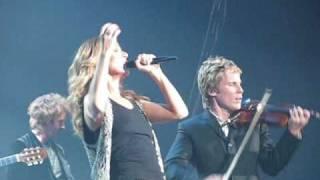 Celine Dion - Alone (100% live)