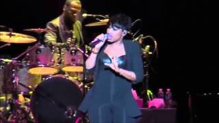 Jennifer Hudson - Pocketbook LIVE