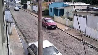 Enfrentamiento a tiros entre policias y presuntos delincuentes en Anaco, Edo Anzoategui, Venezuela