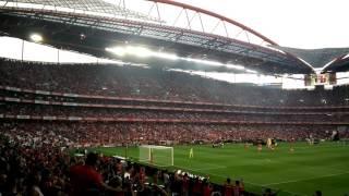 Vamos cantar pelo Benfica que é o maior de Portugal !!