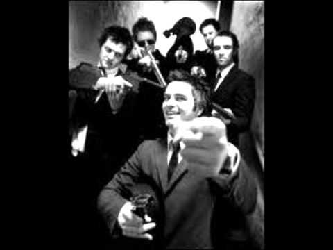 kaizers-orchestra-delikatessen-lyrics-hhegehagen