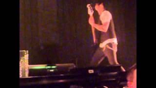Papa Roach Burn live @ Taste of Chaos 01.12.2010