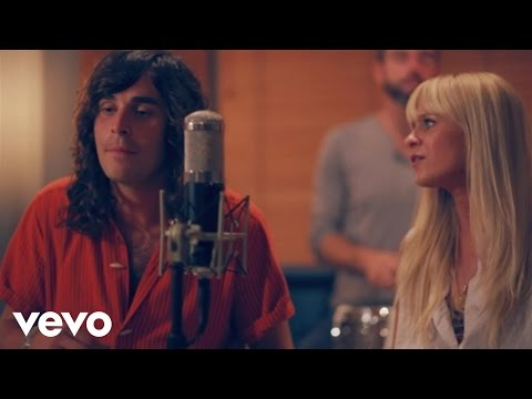 youngblood-hawke-stars-hold-on-youngbloodhawkevevo