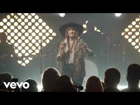 florence-the-machine-dog-days-are-over-live-from-iheartradio-theater-new-york-city-florencemachinevevo