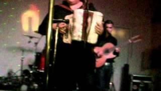 BENITO DE LOS PEZADOS HACIENDO SU CHO JAJA 04/04/11