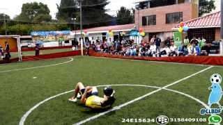 Cali & El Dandee - Gol ♫ Video Oficial de Colombia Fútbol Freestyle @CLBDF