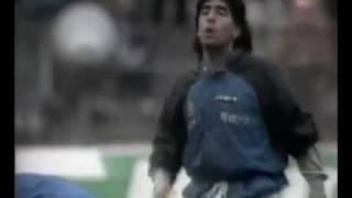 Maradona - Precalentando en Napoles