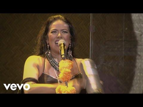 lila-downs-balas-y-chocolate-concierto-en-vivo-liladownsvevo