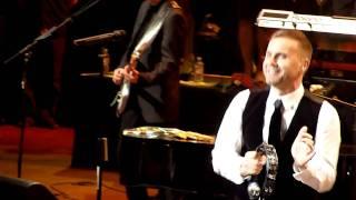 Gary Barlow feat. Lulu - Relight My Fire @ Royal Albert Hall, London 06.12.2011