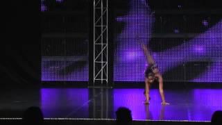 El Tango de Roxanne, Performed by Kayla Watts