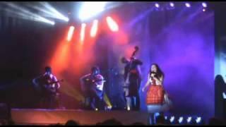Deolinda - Um contra o outro (Live @ Azores)