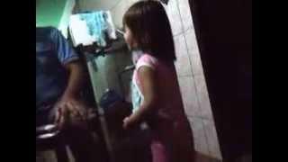 Michelle Defende a Tia Tati
