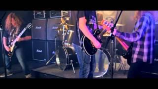 Føss - Heathen (Official Music Video)